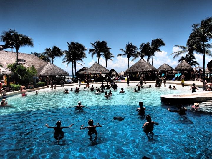 Travel Somewhere New: Cancún,Mexico!